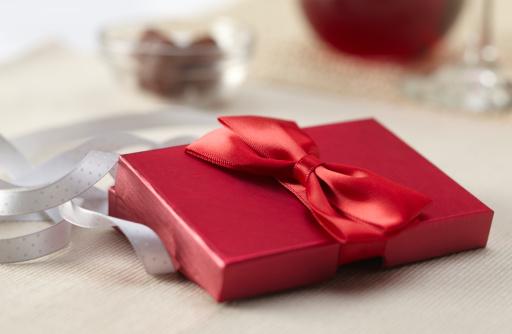 チョコレート「Red Present」:スマホ壁紙(15)