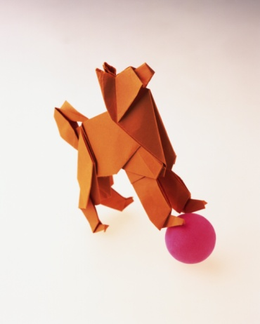 Paper Craft「Origami Dog, High Angle View」:スマホ壁紙(18)