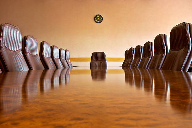 At the meeting room:スマホ壁紙(壁紙.com)