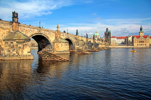 Charles Bridge「Vltava River and Charles Bridge, Prague, Central Bohemia, Czech Republic」:スマホ壁紙(6)