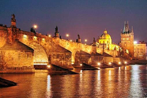 Charles Bridge「Vltava River and Charles Bridge, Prague, Central Bohemia, Czech Republic」:スマホ壁紙(19)