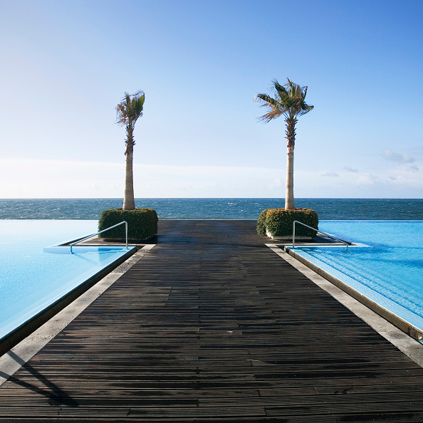 Boardwalk「Boardwalk at the infinity pool at the CS Maderia Hotel, Madeira, Portugal」:写真・画像(7)[壁紙.com]