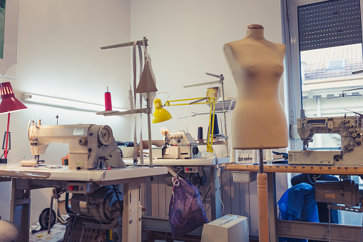 Sewing Machine「Women Working Together」:スマホ壁紙(11)