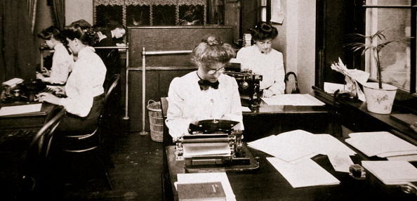 1900-1909「Women Working In A Typing Pool 1900」:写真・画像(16)[壁紙.com]