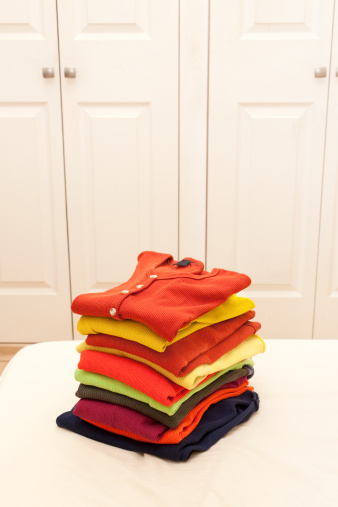 Sweater「Stack of clothing」:スマホ壁紙(3)