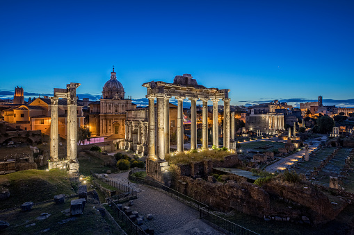 Roman Forum「The Temple of Saturn by night at Roman Forum, Rome」:スマホ壁紙(14)