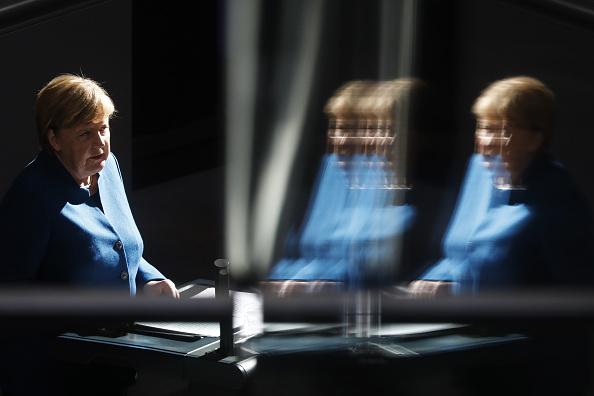 上半身「Merkel Gives Government Declaration Prior To European Council Brexit Meeting」:写真・画像(15)[壁紙.com]