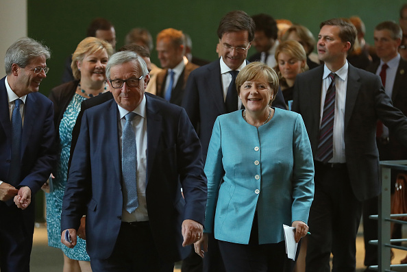 Waist Up「EU Leaders Meet Before G20 Summit」:写真・画像(19)[壁紙.com]