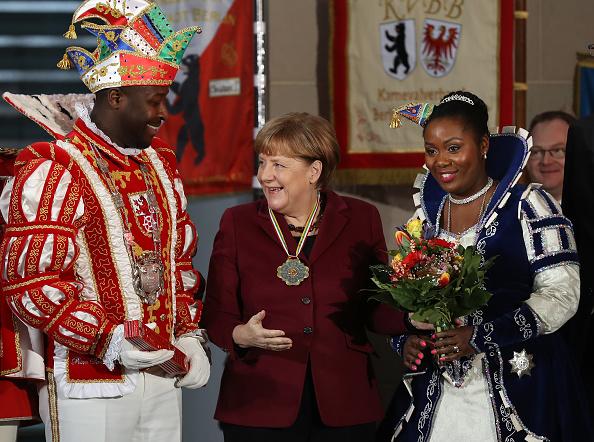 文化「Merkel Hosts Annual Carnival Reception」:写真・画像(1)[壁紙.com]