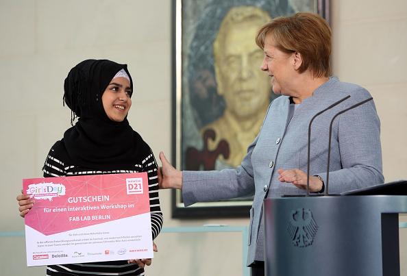 ベストオブ「The Chancellery Hosts Girls' Day」:写真・画像(11)[壁紙.com]