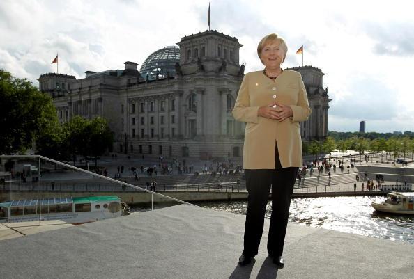 Full Length「Merkel Gives ARD Summer Interview」:写真・画像(17)[壁紙.com]