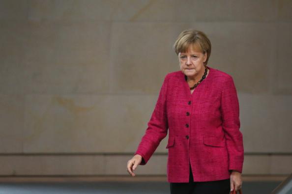 Decisions「Germany To Send Arms To Iraqi Kurds, Bundestag Debates」:写真・画像(14)[壁紙.com]