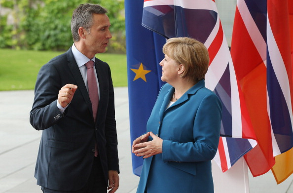 Corporate Business「Cameron, Merkel And Stoltenberg Attend Student Conference」:写真・画像(2)[壁紙.com]