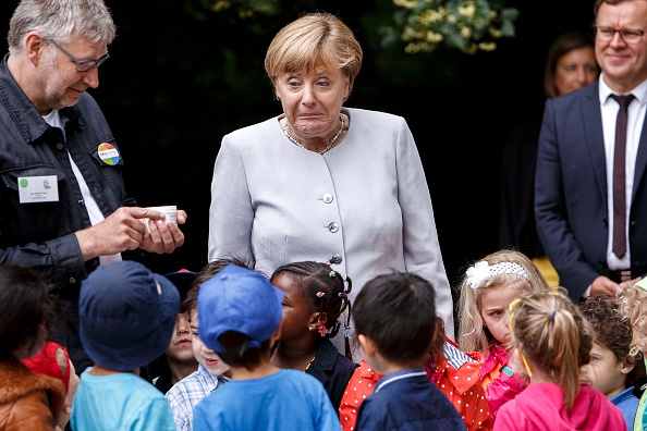 Politician「Merkel Visits Berlin Kindergarten」:写真・画像(19)[壁紙.com]