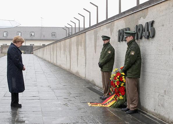 Dachau「Germany Commemorates Dachau Liberation 70th Anniversary」:写真・画像(4)[壁紙.com]