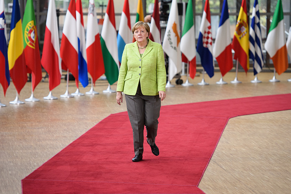 全身「Delegates Attend The European Council Meeting In Brussels - Day One」:写真・画像(11)[壁紙.com]