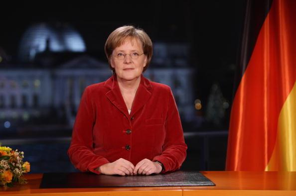 New Year「Chancellor Merkel Delivers Annual New Year Speech」:写真・画像(11)[壁紙.com]