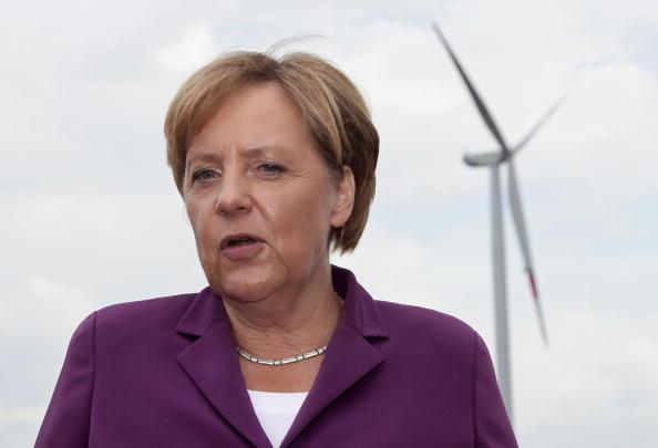 Environmental Conservation「Merkel Tours Energy Production Sites」:写真・画像(9)[壁紙.com]