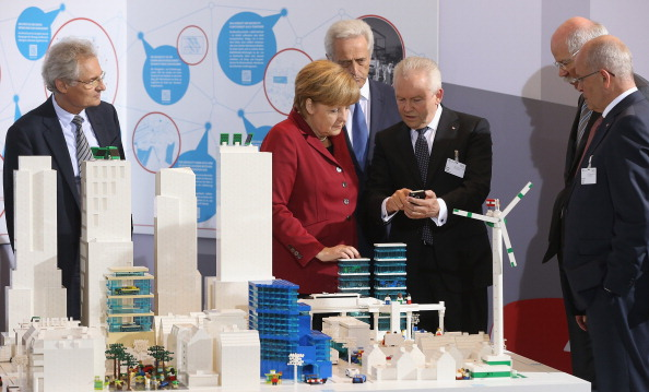 Transport Minister「German Government Hosts Electro-Mobility Congress」:写真・画像(3)[壁紙.com]