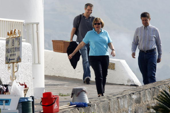 Holiday - Event「Angela Merkel On Holiday On The Island Of Ischia」:写真・画像(8)[壁紙.com]