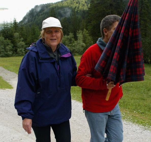 Alto Adige - Italy「Angela Merkel On Vacation In Northern Italy」:写真・画像(18)[壁紙.com]