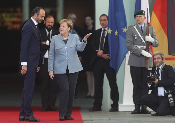 French Prime Minister「New French Prime Minister Edouard Philippe Meets With Angela Merkel」:写真・画像(5)[壁紙.com]