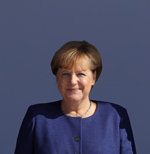 Portrait「Merkel Campaigns In Binz On Ruegen Island」:写真・画像(15)[壁紙.com]