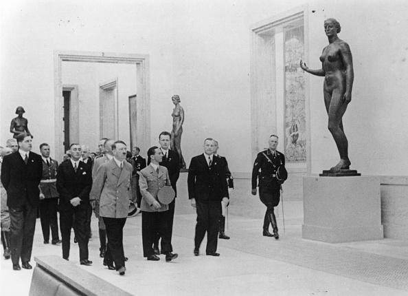Art Museum「Hitler At Exhibition」:写真・画像(16)[壁紙.com]