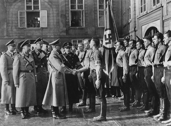 写真「Hitler In Prague」:写真・画像(16)[壁紙.com]