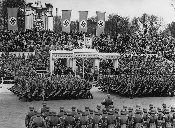 Chancellor of Germany「Hitler's Birthday」:写真・画像(0)[壁紙.com]