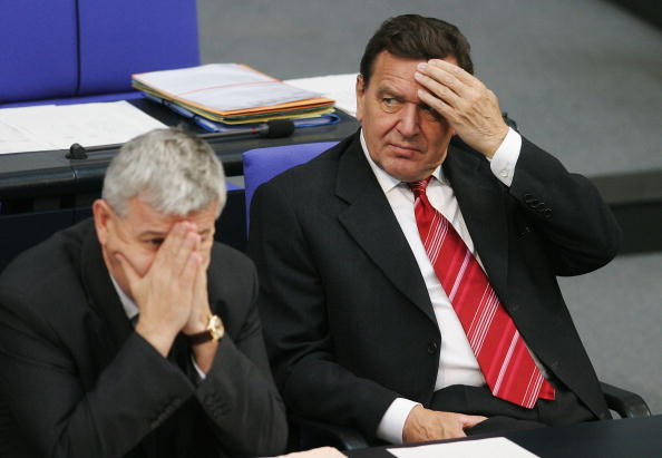 Anxiety「German Parliament Votes On Crucial Reforms」:写真・画像(2)[壁紙.com]