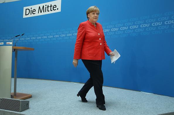 Christian Democratic Union「Merkel Holds Press Conference Over Migrants Policy Disagreement」:写真・画像(4)[壁紙.com]