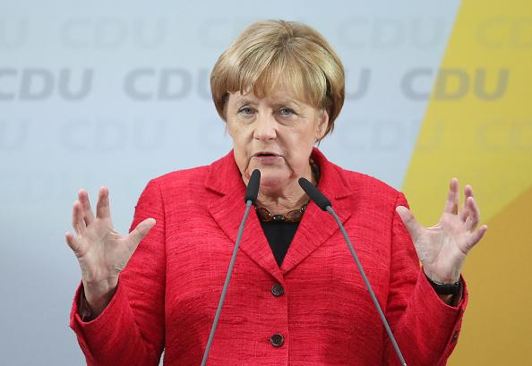 Photography「Merkel Campaigns In Wismar」:写真・画像(8)[壁紙.com]