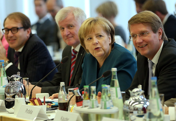 Sean Gallup「SPD And CDU Launch Coalition Negotiations To Form New Government」:写真・画像(1)[壁紙.com]