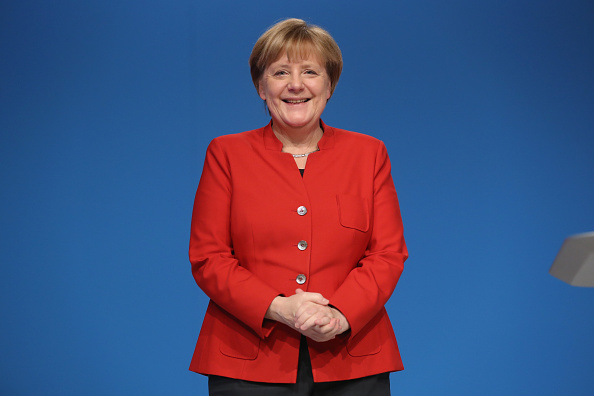 Smiling「Christian Democrats (CDU) Hold Federal Convention」:写真・画像(18)[壁紙.com]