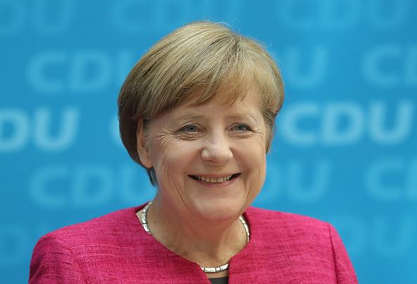 笑顔「Political Parties React To North Rhine-Westphalia State Election Results」:写真・画像(15)[壁紙.com]