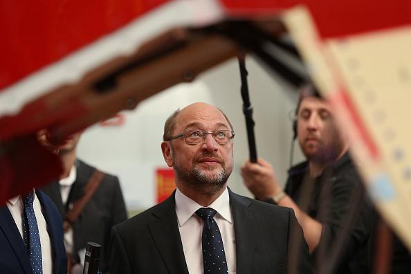 乗り物・交通「Martin Schulz Visits Airbus Factory」:写真・画像(8)[壁紙.com]