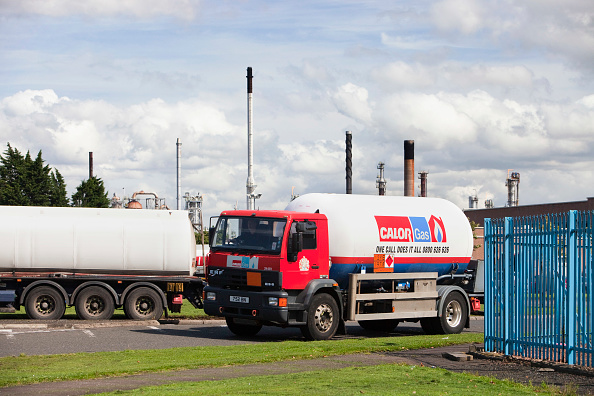 Greenhouse Gas「Calor gas lorry at the Ineos oil refinery in Grangemouth Scotland, UK. The site is responsible for massive C02 emissions.」:写真・画像(9)[壁紙.com]