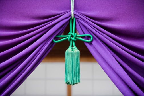 Tied Knot「Purple curtain and curtain retainer at shrine, close-up」:スマホ壁紙(15)