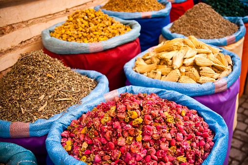 Moorish「Natural medicine  in Marrakesh」:スマホ壁紙(7)