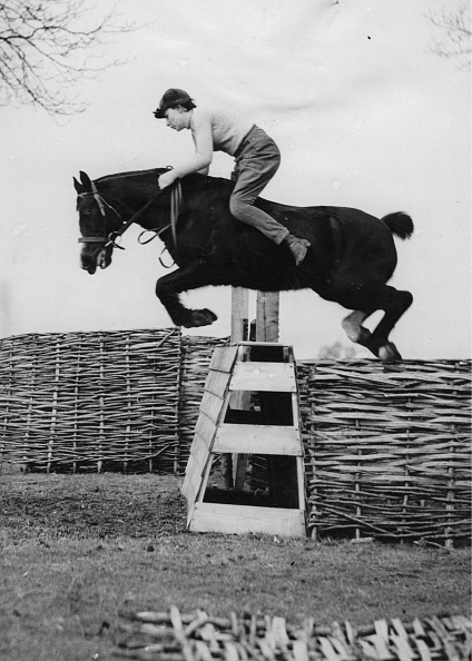 12-13 Years「Thirteen-Year-Old Show Jumper Heath Guy」:写真・画像(9)[壁紙.com]