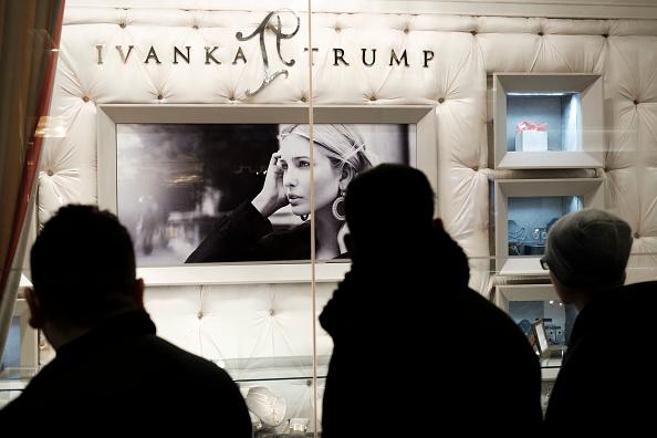 店「Online Sales For Ivanka Trump Brand Drop 26 Percent In January」:写真・画像(17)[壁紙.com]