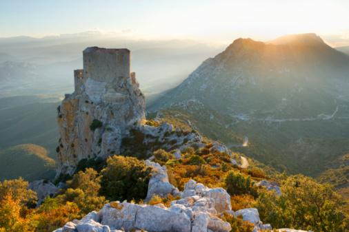 Languedoc-Rousillon「France, Languedoc-Roussillon, Chateau de Queribus at sunset」:スマホ壁紙(19)