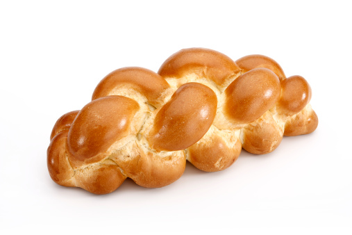 Loaf of Bread「Challah bread isolated on white background with clipping path」:スマホ壁紙(7)