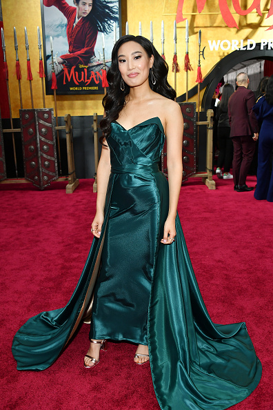 "Green Dress「Premiere Of Disney's ""Mulan"" - Red Carpet」:写真・画像(18)[壁紙.com]"