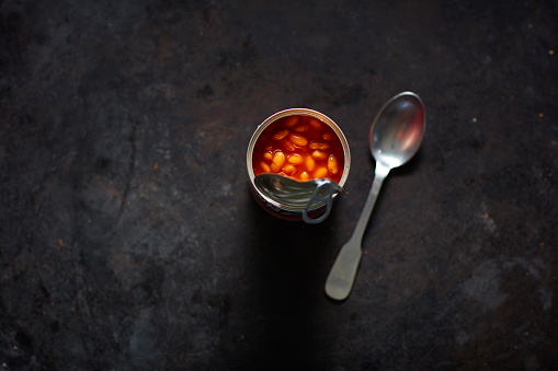 Tomato Sauce「Spoon and can of beans in tomato sauce」:スマホ壁紙(4)