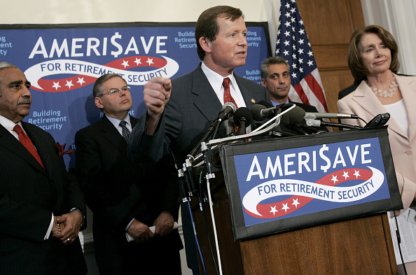 Middle Class「House Democrats Propose Retirement Savings Plan」:写真・画像(3)[壁紙.com]