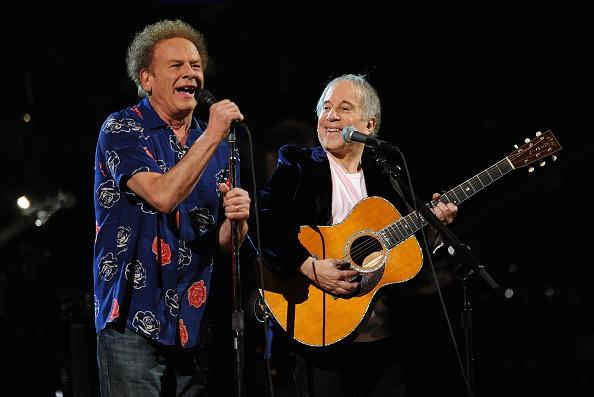 Art Garfunkel「25th Anniversary Rock & Roll Hall Of Fame Concert - Night 1 - Show」:写真・画像(17)[壁紙.com]