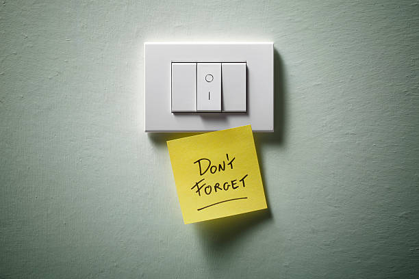 Don't forget. Light switch with yellow sticky note.:スマホ壁紙(壁紙.com)