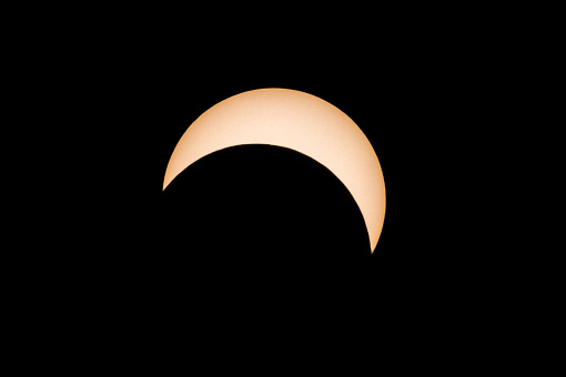 月「Solar Eclipse August 21, 2017, Toronto, Canada」:スマホ壁紙(13)